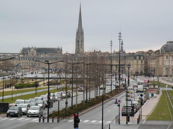Photo de bordeaux immeubles des quais quartier saint michel for Appartement bordeaux quartier saint michel