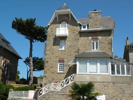 Photo de dinard grande villa rue des bains for Rue des bains