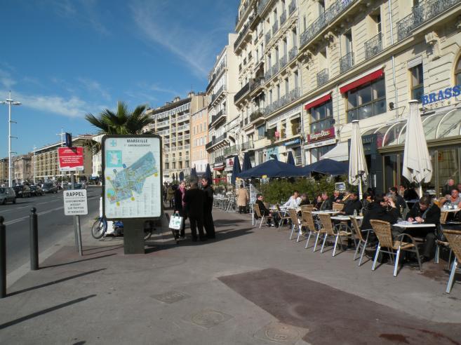 Marseille terrasse du port restaurant for Terrasse de marseille