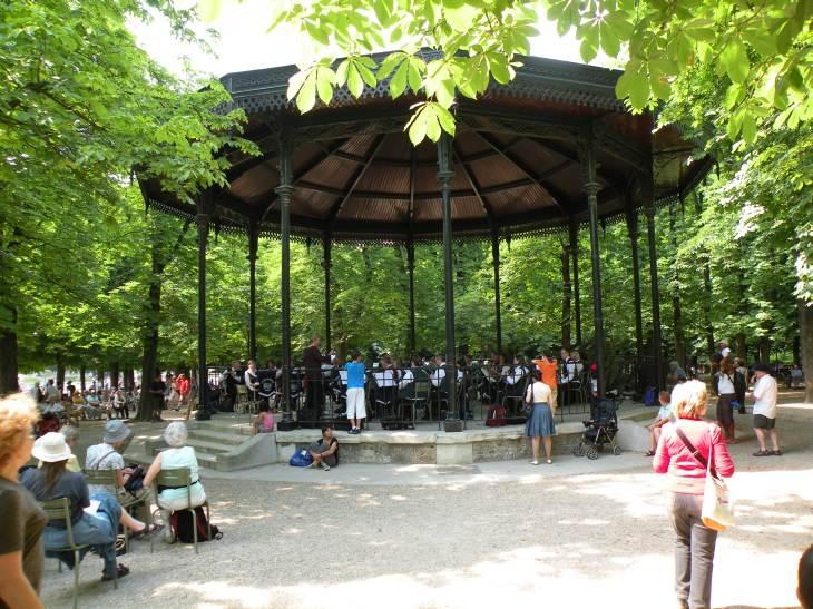 Photo de paris en 2010 square musique jardin du - Station metro jardin du luxembourg ...
