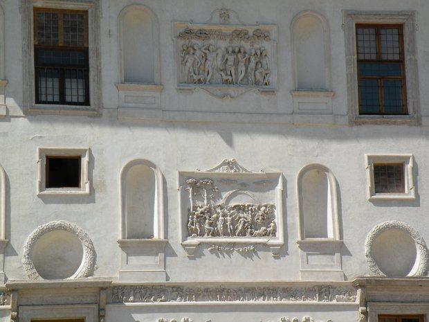 Photo de rome bas reliefs fa ade c t jardins de la for Jardin villa medicis rome